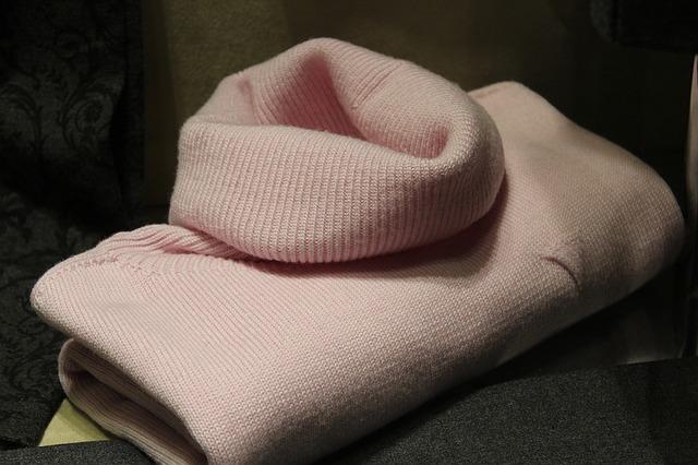 sweater-1222876_640